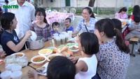 Trao quà tết cho trẻ em làng thiếu niên Thủ Đức