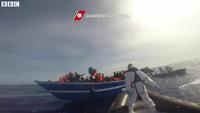 Ý, Pháp giải cứu hơn 5.800 người nhập cư chỉ trong 48 giờ
