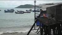 """Xóm """"nhà chồ"""" Nha Trang mong manh trước bão Hagupit"""