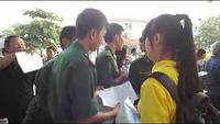 Thí sinh háo hức đến sớm làm thủ tục dự thi THPT quốc gia (P2)