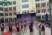 Học sinh của trường THPT Phan Huy Chú nhảy Plashmob