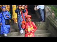 Rước tượng Thánh Mẫu ở lễ hội điện Hòn Chén