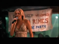 LeAnn Rimes trẻ trung với Cant Fight The Moonlight