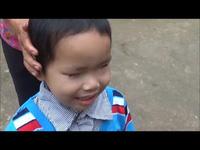 Video trao quà cho em bé Thiệp