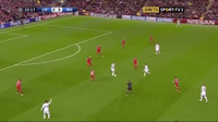C.Ronaldo giúp Real Madrid dẫn Liverpool 1-0
