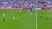 Neymar giúp Barcelona dẫn Real Madrid 1-0