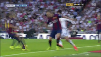 Benzema đưa cách biệt lên thành 3-1 cho Real trước Barca