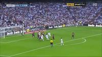 Pepe đánh đầu nâng tỉ số lên 2-1 cho Real trước Barca