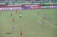 Hoàng Thịnh mở tỉ số 1-0 cho Việt Nam trước Philippines