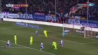 Torres mở tỉ số cho Atletico vào lưới Barcelona
