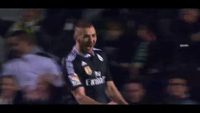 Benzema mở tỉ số cho Real Madrid trước Elche