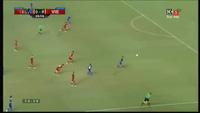 Vĩnh Lợi truy cản Ekkachai ở phút 41, cứu cho Việt Nam 1 bàn thua