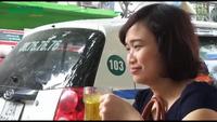 Hà Nội: Quán nước chè xanh miễn phí của người phụ nữ nghèo