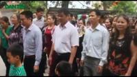 Dân làng chứng kiến đại diện Tòa án Tối cao xin lỗi ông Chấn