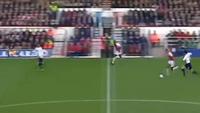 Tuyệt phẩm solo vào lưới Tottenham của Henry