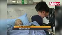 Sau cơn đột quỵ, cụ bà quên tiếng mẹ đẻ chỉ biết tiếng Anh