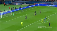 "Với trái bóng, Suarez ""xâu kim"" cả Paris"