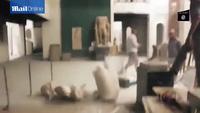Phiến quân IS đập vỡ những bức tượng 3.000 năm tuổi ở Mosul, Iraq