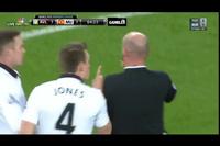 Agbonlahor nhận thẻ đỏ, MU hơn người Aston Villa