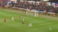 "Swansea 2-1 MU: ""Trời cho"" Gomis"