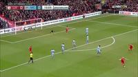 Liverpool 1-0 Man City: Quả rocket của Henderson