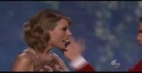 Taylor Swift trình diễn bản hit Blank Space