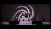 Ariana Grande nhảy bốc lửa