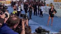 Jennifer Lopez, Scarlett Johansson gợi cảm trên thảm đỏ