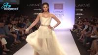 Nargis Fakhri cực đẹp trên sàn catwalk