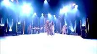 Rita Ora sôi động trên sân khấu