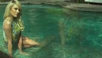 Candice Swanepoel bốc lửa trong bộ hình mới