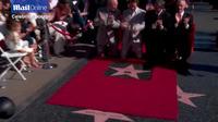 Matthew McConaughey khoe vợ con trong ngày nhận sao trên Đại lộ danh vọng