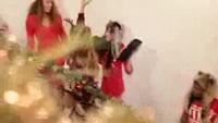 """""""Mariah Carey 9X"""" tung clip hot mừng Giáng sinh"""