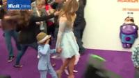 Jennifer Lopez rạng ngời bên hai con