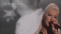 Christina Aguilera khoe giọng cao vút trên sân khấu