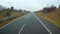 CH Séc: Băng tuyết trên đường khiến nhiều xe lâm nạn (P2)