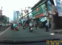 Thiếu nữ bị giật dây chuyền giữa trung tâm Sài Gòn