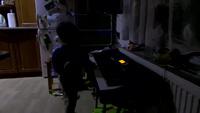 Thán phục cậu bé 4 tuổi bị mù chơi nhạc tài tình (1)