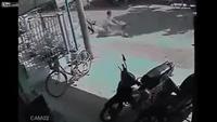 Xe đạp gẫy đôi khi gặp tai nạn