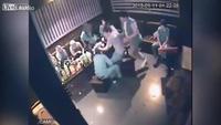 Đôi tình nhân bị đánh tàn bạo trong quán Karaoke