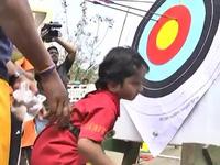 Mới 2 tuổi đã phá kỷ lục quốc gia môn bắn cung