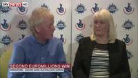 Cặp vợ chồng may mắn 2 lần trúng số giải đặc biệt 1 triệu bảng Anh