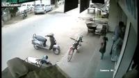 Lý do nên rút chìa khóa xe máy khi có trẻ em