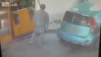 Cô gái đốt cháy ôtô bạn trai vì không được hút thuốc
