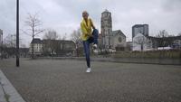 Màn trình diễn vừa tâng bóng vừa nhảy dây của Adrienn Banhegy (2)