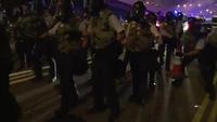 Cảnh sát Hồng Kông bắn đạn hơi cay vào người biểu tình