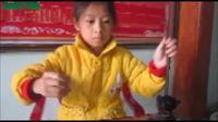 Tiếng đàn ngất ngây của cô bé 9 tuổi