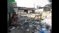 Nghệ An: Hàng chục hộ dân sống chung với rác hơn 10 năm