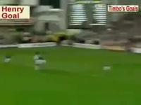 Cú vô lê kinh điển của Henry vào lưới Man Utd (2000)
