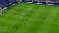 Tranh cãi dữ dội về án phạt của Manuel Neuer